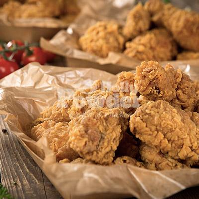 darmowe zdjęcia z chrupiącym kurczakiem